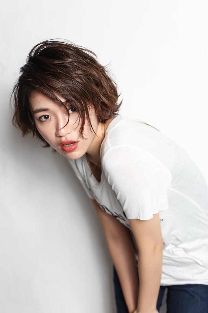 MINX青山 清水豊さんのヘアスタイルの写真。