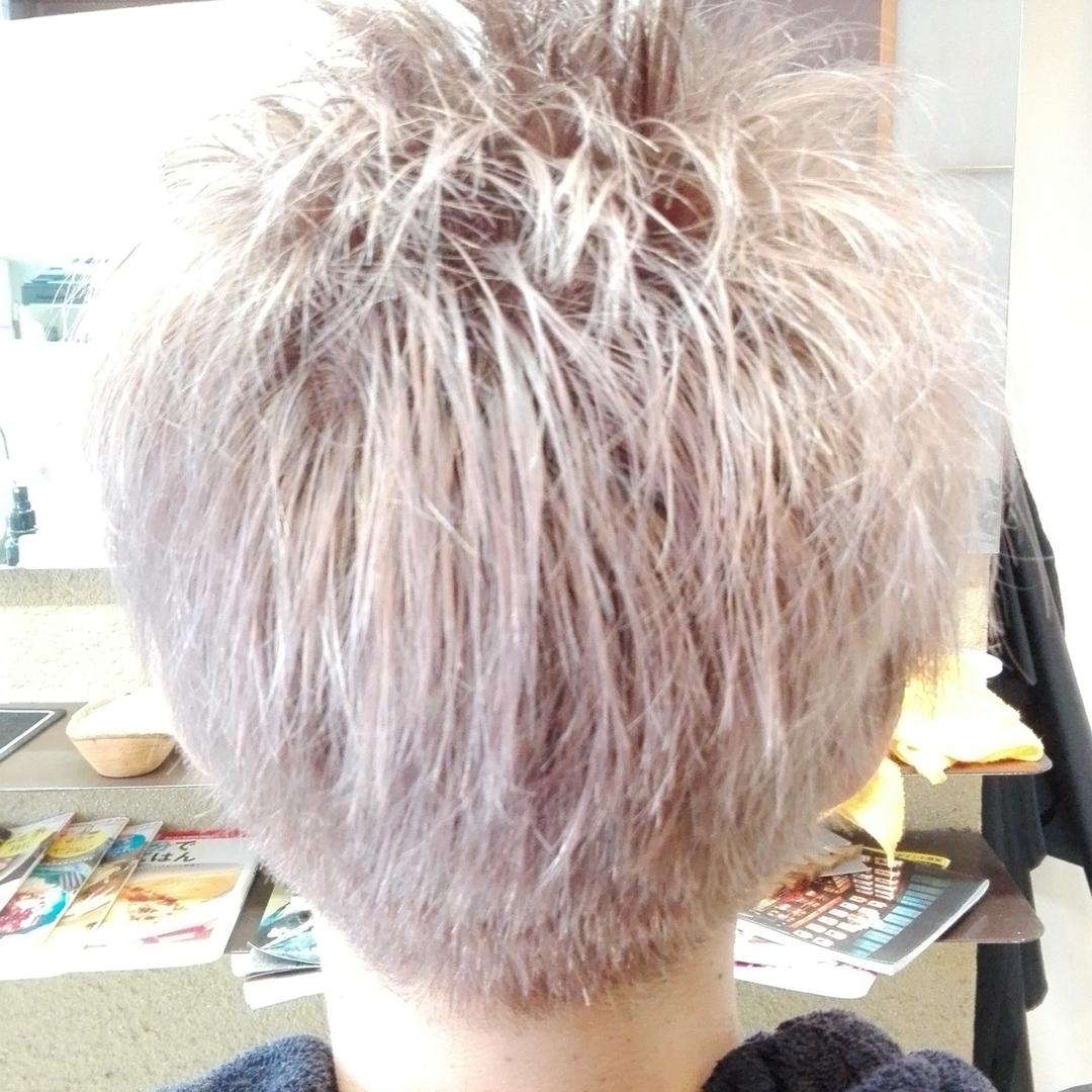 愛知県蒲郡市のヘアーサロンBivi さんのヘアスタイルの写真。テーマは『蒲郡市美容室、メンズOK、ナイター予約、キッズルーム、イルミナカラー、隠れ家サロン、グラデーション、オーガニックハーブカラー』