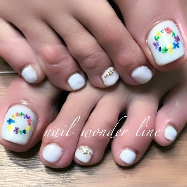 nail-wonder-lineさんのネイルデザインの写真。テーマは『ドライフラワー、フラワーネイル、春ネイル、夏オススメ、夏ネイル、フットネイル』
