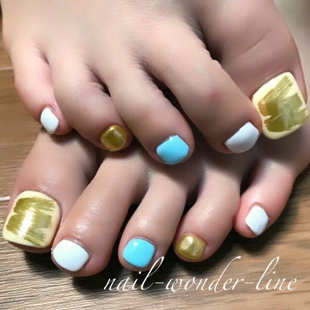 nail-wonder-lineさんのネイルデザインの写真。テーマは『ミラーネイル、春ネイル、夏ネイル、夏オススメ、リゾートネイル、クロムパウダー、フットネイル、純金パウダー』