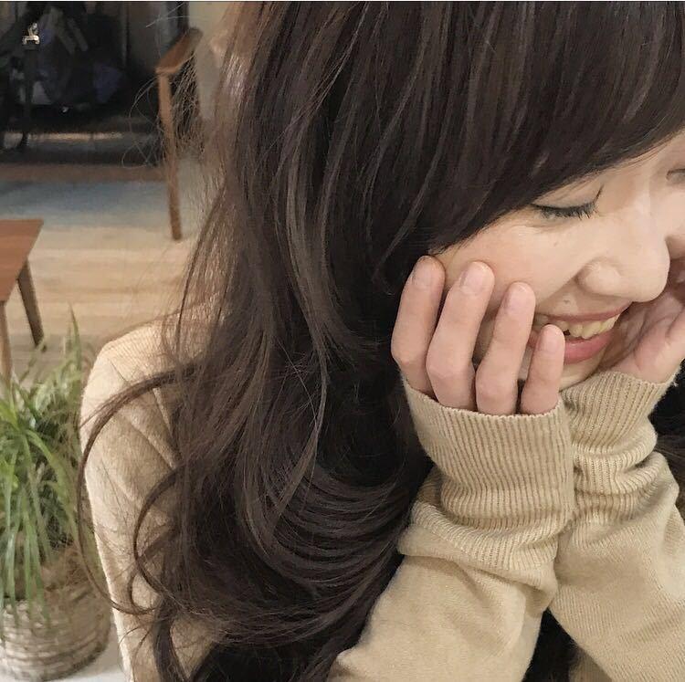YUSUKE NAKAMURAさんのヘアスタイルの写真。テーマは『前髪、hair2016w、アッシュグレージュ、ロング、大人かわいい、褒められ髪、可愛い、ハホニコ、ピンク、春ヘア』