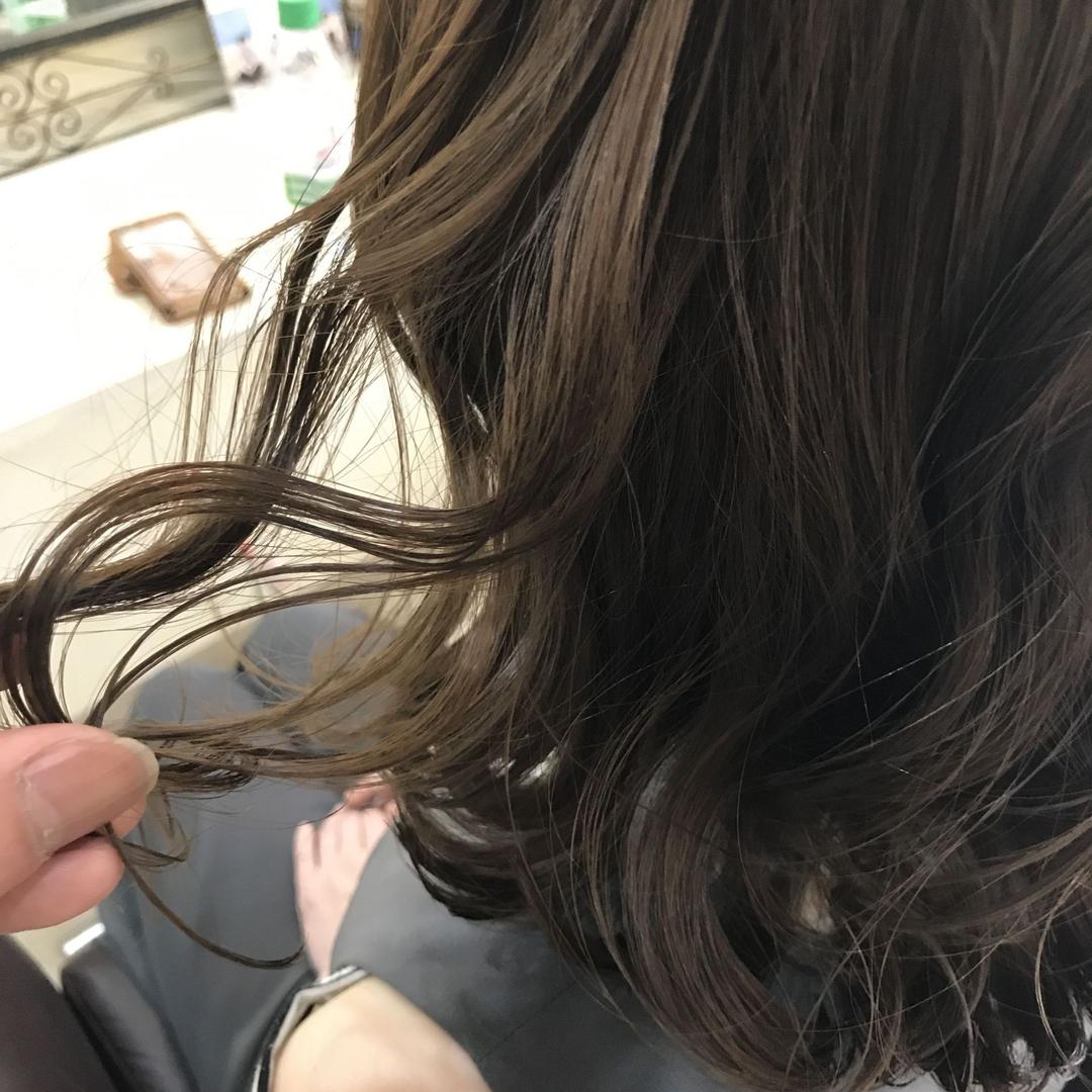 YUSUKE NAKAMURAさんのヘアスタイルの写真。テーマは『福岡市南区美容室、TORICOHEART、トリコハート、褒められ髪、オトナ可愛い、南区皿山、福岡市南区、皿山、福岡美容室、可愛い、おしゃれ、フォロー、アンティーク、カワイイ、髪型、子連れok、長住、花畑、長丘、若久、美容師、美容室、カラー、外国人風』
