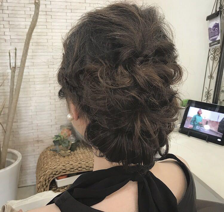 YUSUKE NAKAMURAさんのヘアスタイルの写真。テーマは『ヘアアレンジ、大人かわいい、褒められ髪、可愛い、福岡、結婚式』