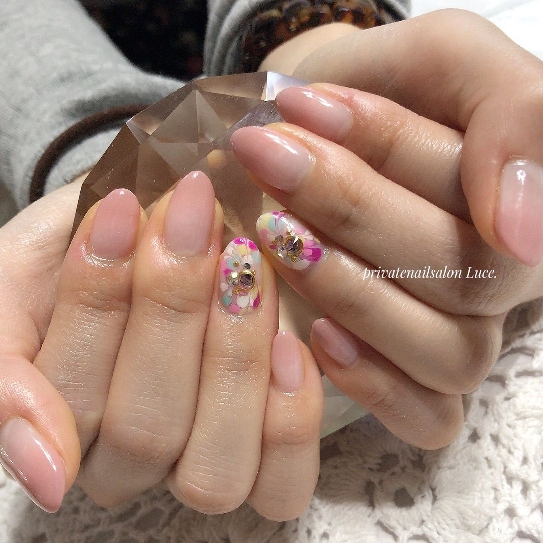 private nail salon Luce.さんのネイルデザインの写真。テーマは『nail、nailart、お客様ネイル、gel、simple、ピーコック、グラデーション、colorful、nailistagram、nailist、Nailbook、tredina、大人ネイル、奈良、自宅サロン、お家ネイル、Luce.』