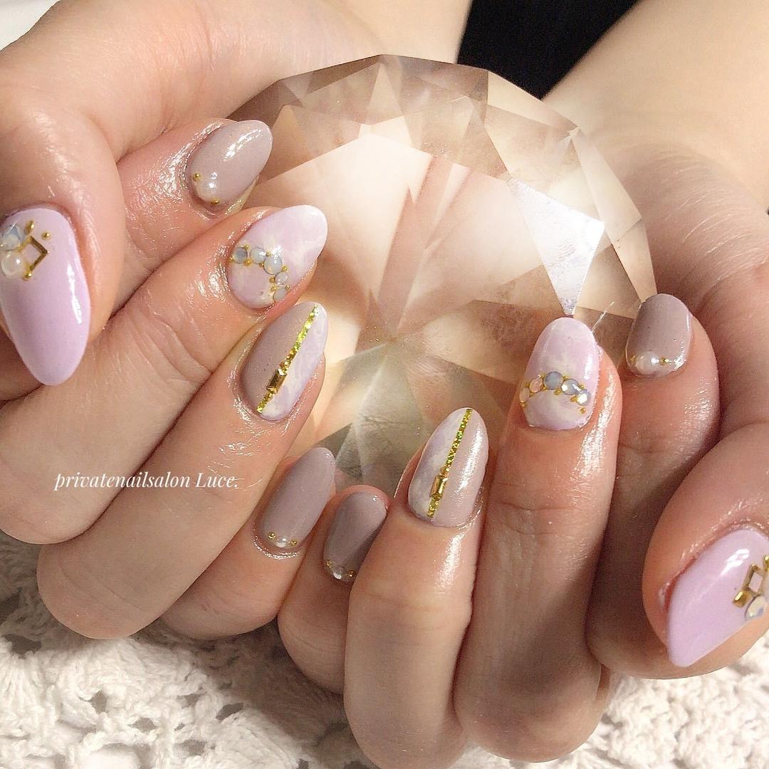 private nail salon Luce.さんのネイルデザインの写真。テーマは『お客様ネイル、nail、nailart、gel、大人ネイル、大人可愛い、kawaii、タイダイ、マーブル、切り替え、Nailbook、tredina、nailstagram、奈良、自宅サロン、お家ネイル、Luce.』