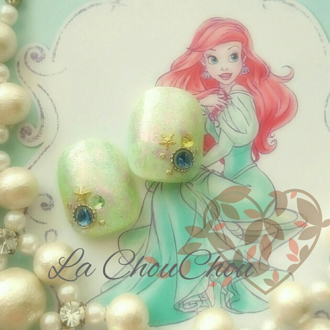 Naopi ~La ChouChou~さんのネイルデザインの写真。テーマは『フットネイル、アリエル』
