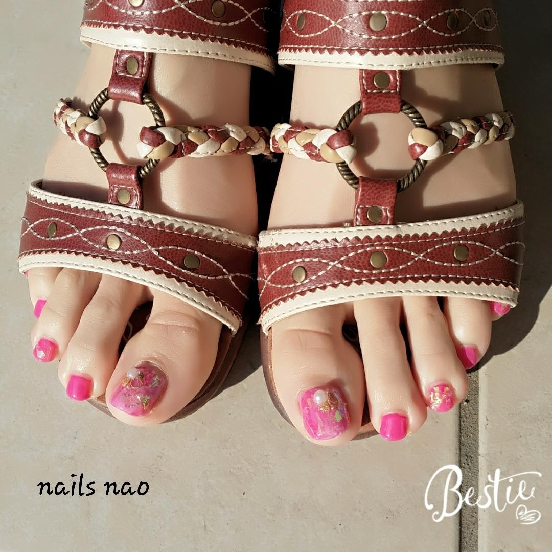 nails naoさんのネイルデザインの写真。テーマは『フットネイル』