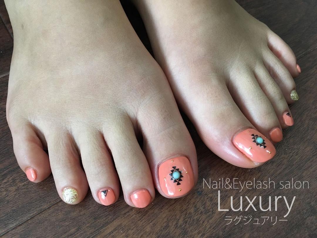Luxury staff Yukiさんのネイルデザインの写真。