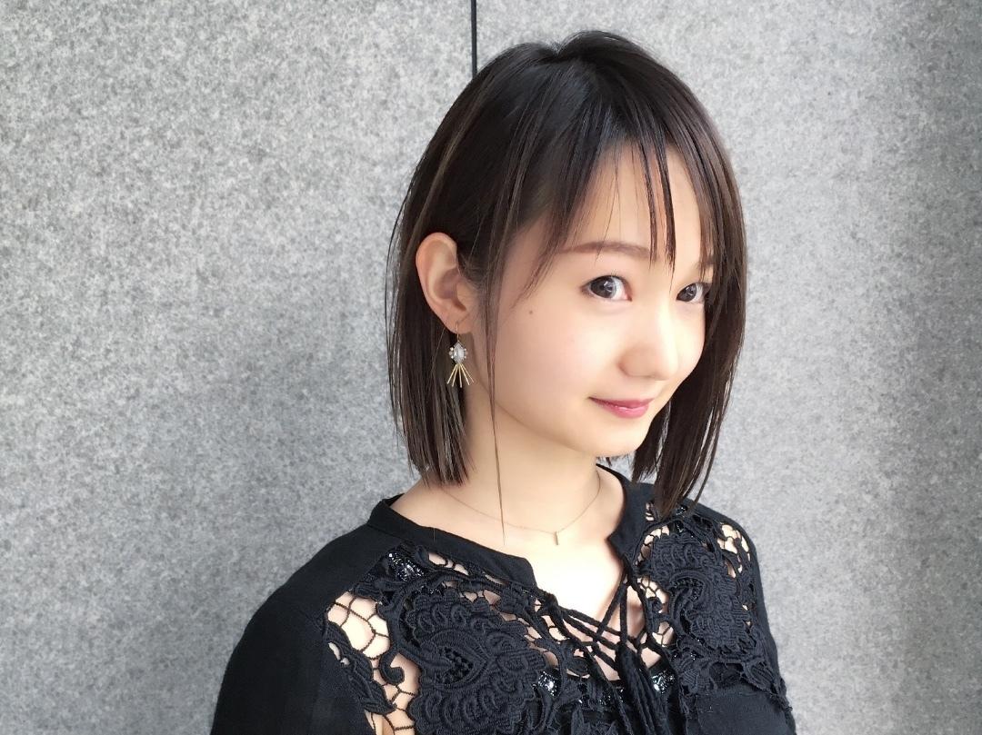 Kei  Anazawaさんのヘアスタイルの写真。テーマは『ツヤ髪、夏髪、ストレートボブ、インナーカラー、ボブ、セミウェット』