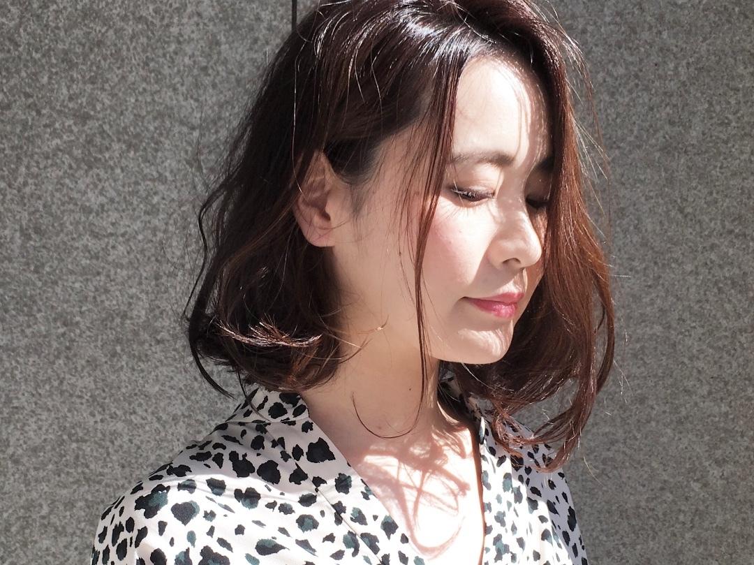 Kei  Anazawaさんのヘアスタイルの写真。テーマは『夏髪、ボブ、ウェーブボブ、ピンクヘア、セミウェット』