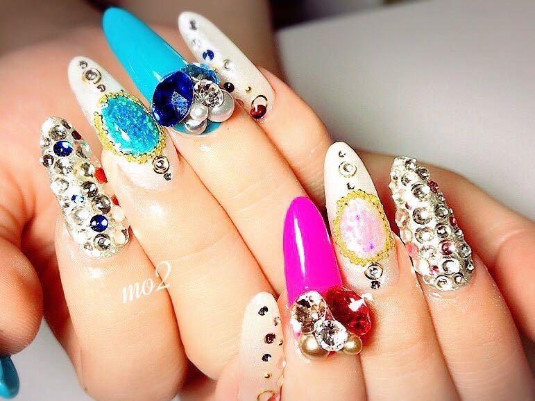 mo2さんのネイルデザインの写真。テーマは『mo2、novobyshowroom、北九州市、小倉北区、nailstagram、nail、nailsalon、beauty、nailart、kokoist、美爪、美甲、美甲師、指甲、指甲彩繪、指甲畫花、大人女子、おしゃれ、2017、夏、mismarias、pink、swarovski、d180dx、青、blue、夏ネイル、summer』