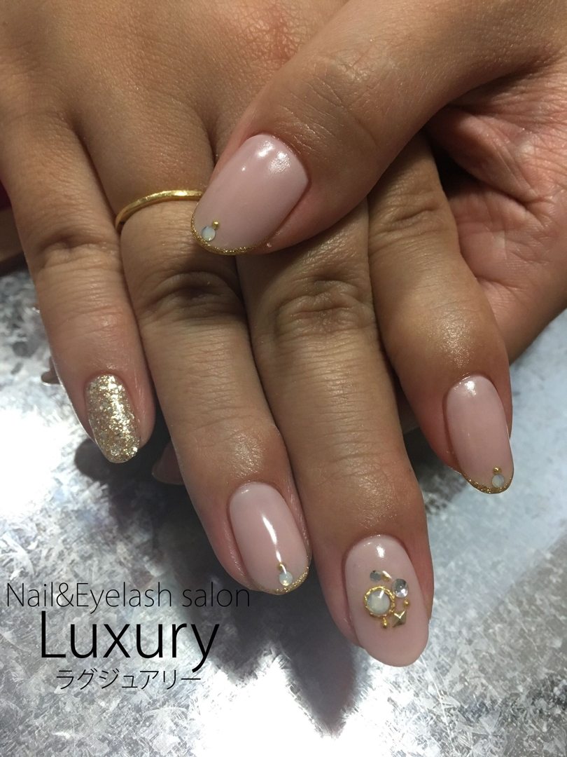 Luxury staff Yukiさんのネイルデザイン 『ハンドジェルネイル(ファイル』 , tredina