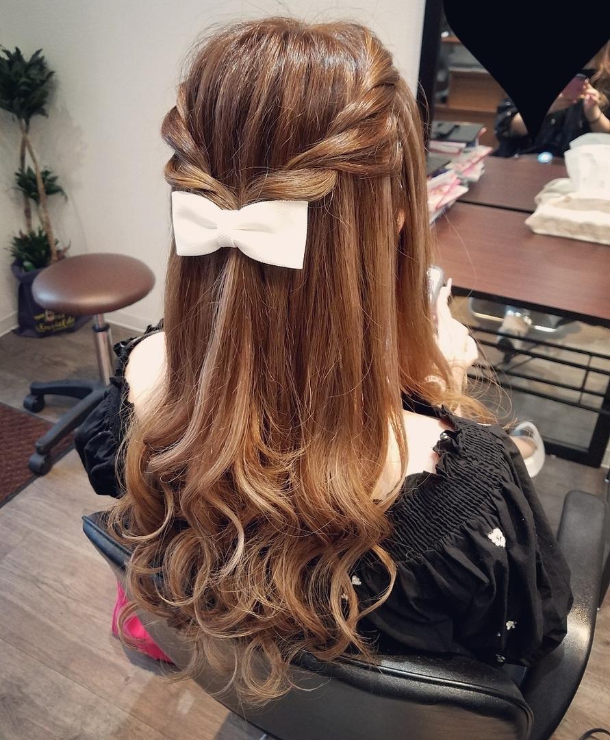 平原舞さんのヘアスタイルの写真。テーマは『宮崎市ヘアセット、宮崎市、ヘアセット専門店、セットサロン、ヘアセット、ヘアアレンジ、ハーフアップ、ブライダル、ブライダルヘア、結婚式、結婚式ヘアアレンジ、結婚式ヘア、ねじりヘア、宮崎、hair、hairset、hairstyle、hairarrange、宮崎美容室、宮崎市STELLA、宮崎市セットサロン、ねじり、宮崎市美容室、宮崎県、おしゃれ、オシャレ、おしゃれな人と繋がりたい』