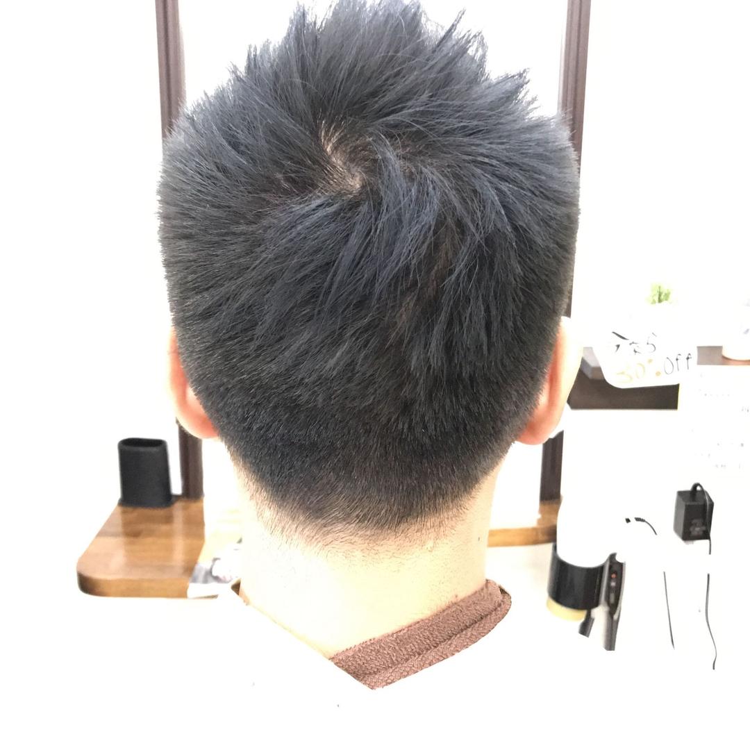 橋本 諒大さんのヘアスタイルの写真。テーマは『ツーブロック、刈り上げ、アップバング、メンズ、メンズヘア、メンズヘアスタイル、ヘアスタイル、ヘアカラー、ショート、アッシュ、アッシュグレー、hair、haircolor、hairstyle、shorthair、美容室、美容院、ヘアサロン、美容師、美容室シャンプー杉戸店、杉戸、杉戸町、杉戸高野台、宮代、宮代町、東武動物公園』