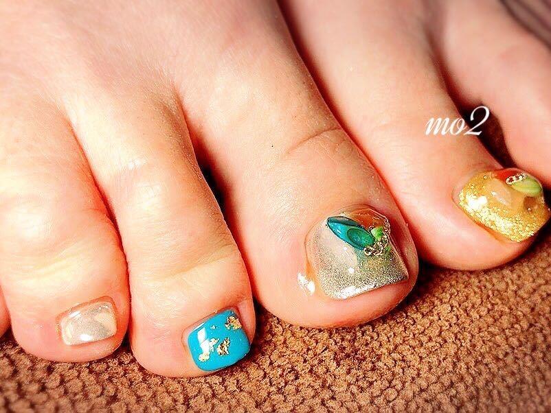mo2さんのネイルデザインの写真。テーマは『mo2、novobyshowroom、北九州市、小倉北区、nailstagram、nail、nailsalon、beauty、nailart、kokoist、美爪、美甲、美甲師、指甲、指甲彩繪、指甲畫花、大人女子、おしゃれ、2017、夏、pop、mismarias、footnail、フットネイル』