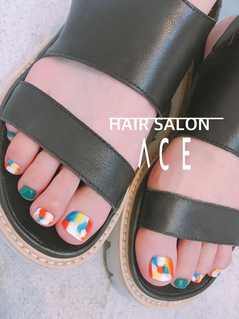ACE@nailさんのネイルデザインの写真。テーマは『HAIRSALONACE、ヘアサロンACE、茨木市、茨木市真砂玉島台、ネイル、ネイルデザイン、ネイルアート、フットネイル、フットジェル、夏ネイル、カラフル、カラフルネイル、個性派ネイル、個性派、カジュアル、おしゃれ、おしゃれネイル』