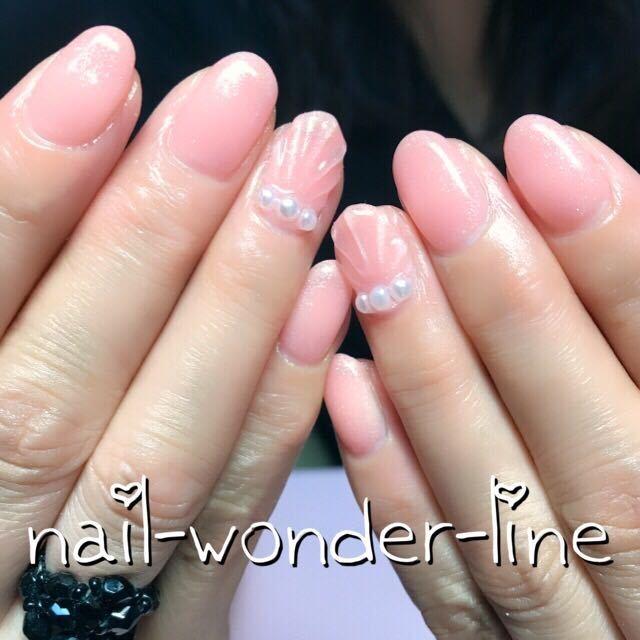 nail.wonder.lineさんのネイルデザイン 『オフィスネイルジェルネイル 』 , tredina