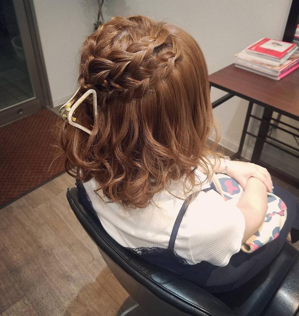 平原さんのヘアスタイルの写真。テーマは『宮崎市ヘアセット、宮崎市、ヘアセット専門店、セットサロン、ヘアセット、ヘアアレンジ、ボブアレンジ、ブライダル、ブライダルヘア、結婚式、結婚式ヘアアレンジ、結婚式ヘア、編み込みアレンジ、宮崎市セット、hair、hairset、hairstyle、hairarrange、宮崎美容室、宮崎市STELLA、宮崎市セットサロン、宮崎市美容室、日本中のプレ花嫁さんと繋がりたい、おしゃれ、オシャレ、宮崎市結婚式、ボブ、宮崎、ハーフアップ、編み込み』