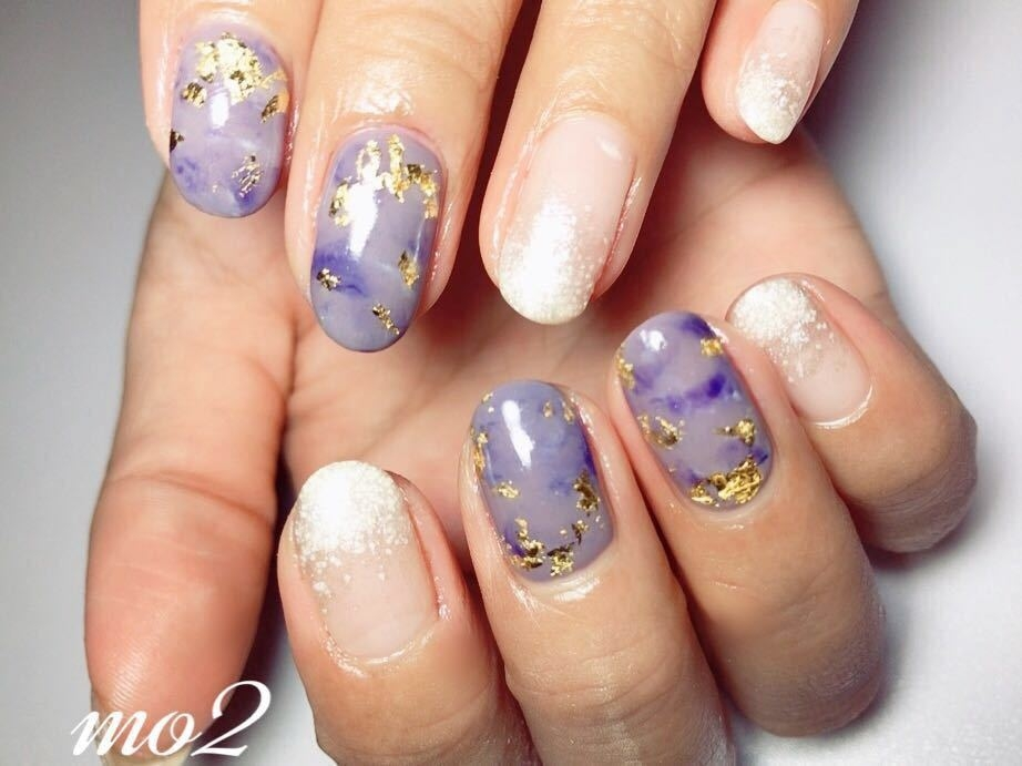 mo2さんのネイルデザインの写真。テーマは『mo2、novobyshowroom、北九州市、小倉北区、nailstagram、nail、nailsalon、instanails、beauty、nailart、kokoist、美爪、美甲、美甲師、指甲、指甲彩繪、指甲畫花、大人女子、可愛い、2017、mismarias、ジェルネイル、グラデーション、マーブルネイル、金箔ネイル、ラメ、nails』