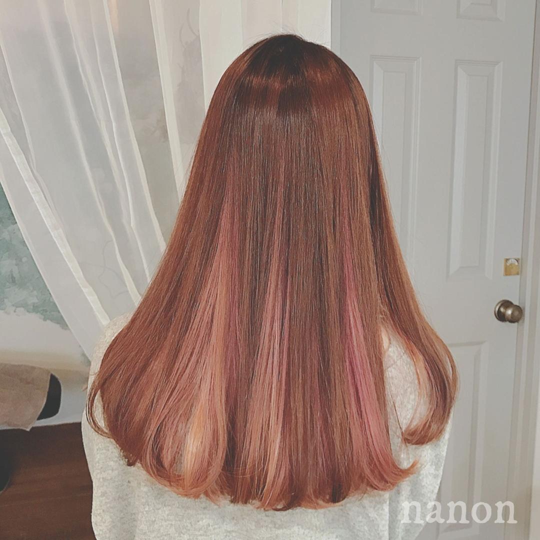 浦川 由起江さんのヘアスタイルの写真。テーマは『ハイライト、ピンクベージュ、スペクトラムカラーズ』