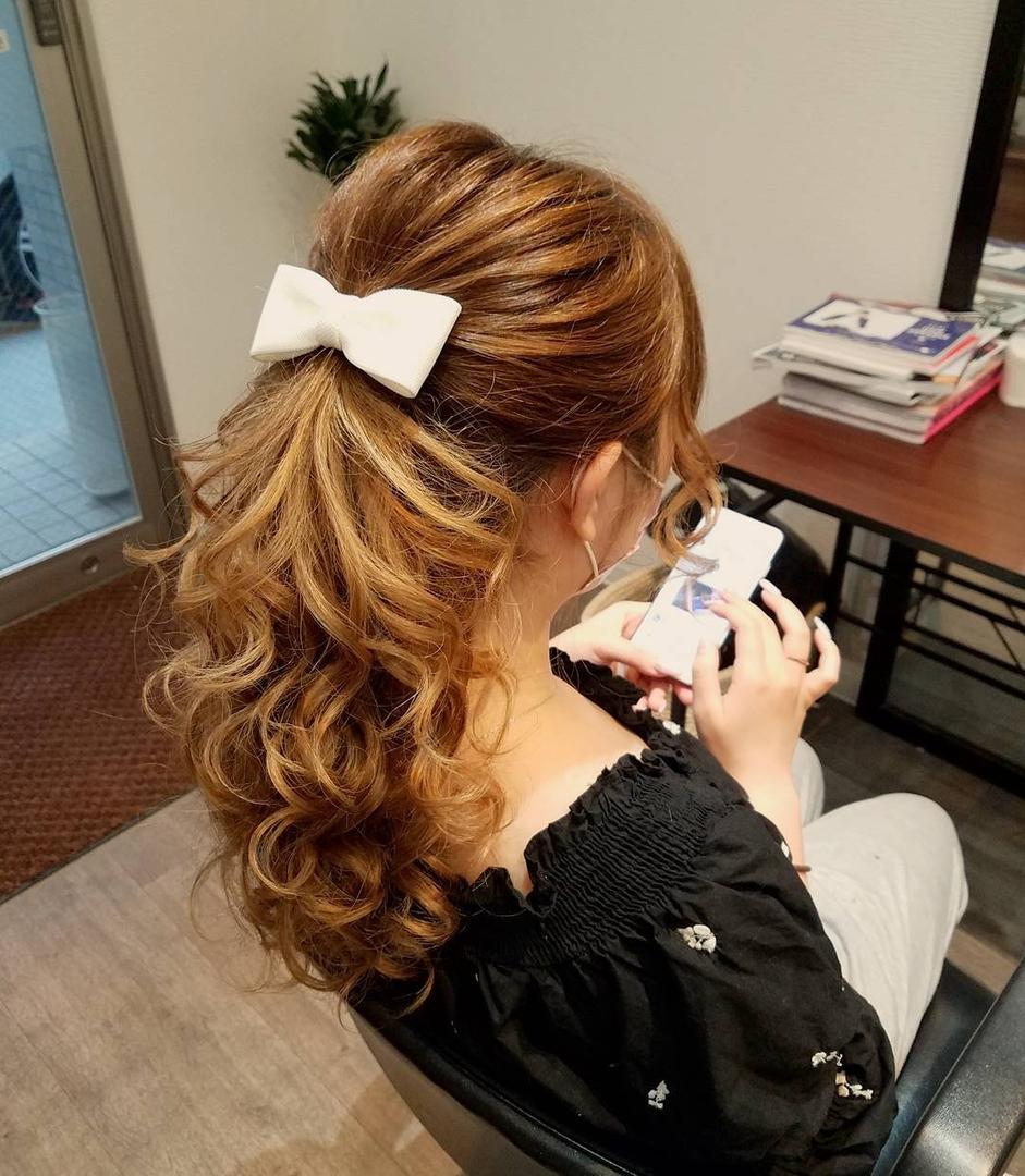 平原舞さんのヘアスタイルの写真。テーマは『宮崎市ヘアセット、宮崎市、ヘアセット専門店、セットサロン、ヘアセット、ヘアアレンジ、アップ、ポニーテール、ブライダル、ブライダルヘア、結婚式、結婚式ヘアアレンジ、結婚式ヘア、ポニーテールヘア、ポニーテールアレンジ、宮崎、hair、hairset、hairstyle、hairarrange、宮崎市美容室、宮崎市STELLA、宮崎市セットサロン、オシャレ、おしゃれ、宮崎美容室、日式髮型、新娘髮型、空氣髮型』