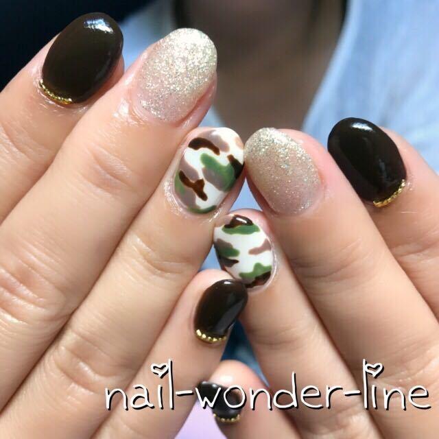 nail-wonder-lineさんのネイルデザインの写真。テーマは『ハンド、旅行、ジェルネイル、ミディアム、お客様、ベージュ、秋、大人ネイル、秋ネイル、ミリタリーネイル、カモフラージュ、迷彩ネイル、ブラウン、カーキ、ラメ、沼津、沼津ネイルサロン』