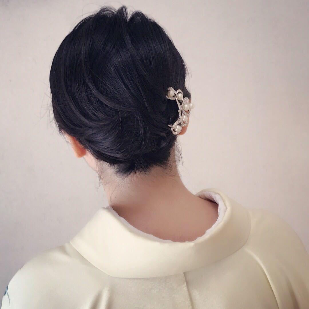 Moriyama  Mamiさんのヘアスタイルの写真。テーマは『ミディアムヘア、大人可愛い、福岡ヘアセット、天神、ヘアアレンジ、ヘアーセット、中洲ヘアセット、ボディージュエリー福岡、Threekeys、スリーキーズ、着物、福岡ヘアサロン、ブライダル、結婚式、ブライダルヘアー、花嫁、着付け、着物ヘア、成人式、和装ヘア、プレ花嫁、ヘアセット専門、卒業式、浴衣レンタル、女子会、オトナ女子、着物レンタル、浴衣、働く女子、花火大会、浴衣ヘアアレンジ』