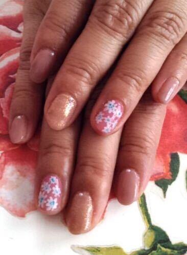 nailsalonroseさんのネイルデザインの写真。テーマは『ジェルネイル、ソフトジェル、小花ネイル、フラワーネイル』