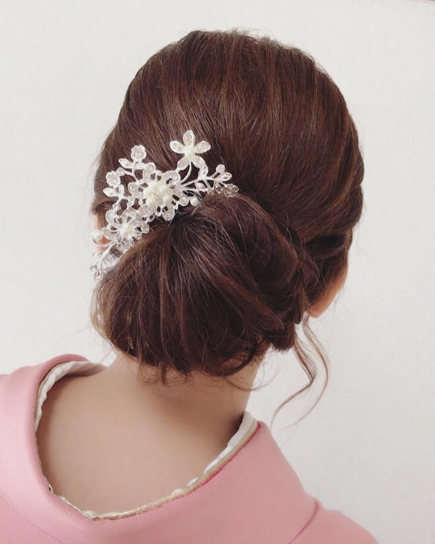 Moriyama  Mamiさんのヘアスタイルの写真。テーマは『振袖、髪飾り、アップスタイル、大人可愛い、福岡ヘアセット、天神、ヘアアレンジ、ヘアーセット、中洲ヘアセット、Threekeys、スリーキーズ、着物、福岡ヘアサロン、ブライダル、結婚式、ブライダルヘアー、花嫁、着付け、着物ヘア、成人式、和装ヘア、プレ花嫁、ヘアセット専門、浴衣レンタル、女子会、オトナ女子、着物レンタル、働く女子』