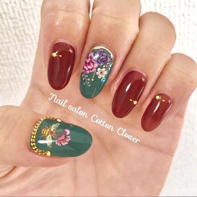 Nail salon Cotton Cloverさんのネイルデザインの写真。テーマは『ボルドー、布施ネイルサロン、ハロウィン、nailart、秋ネイル、ゴールド、グリーン、ゴブランネイル』