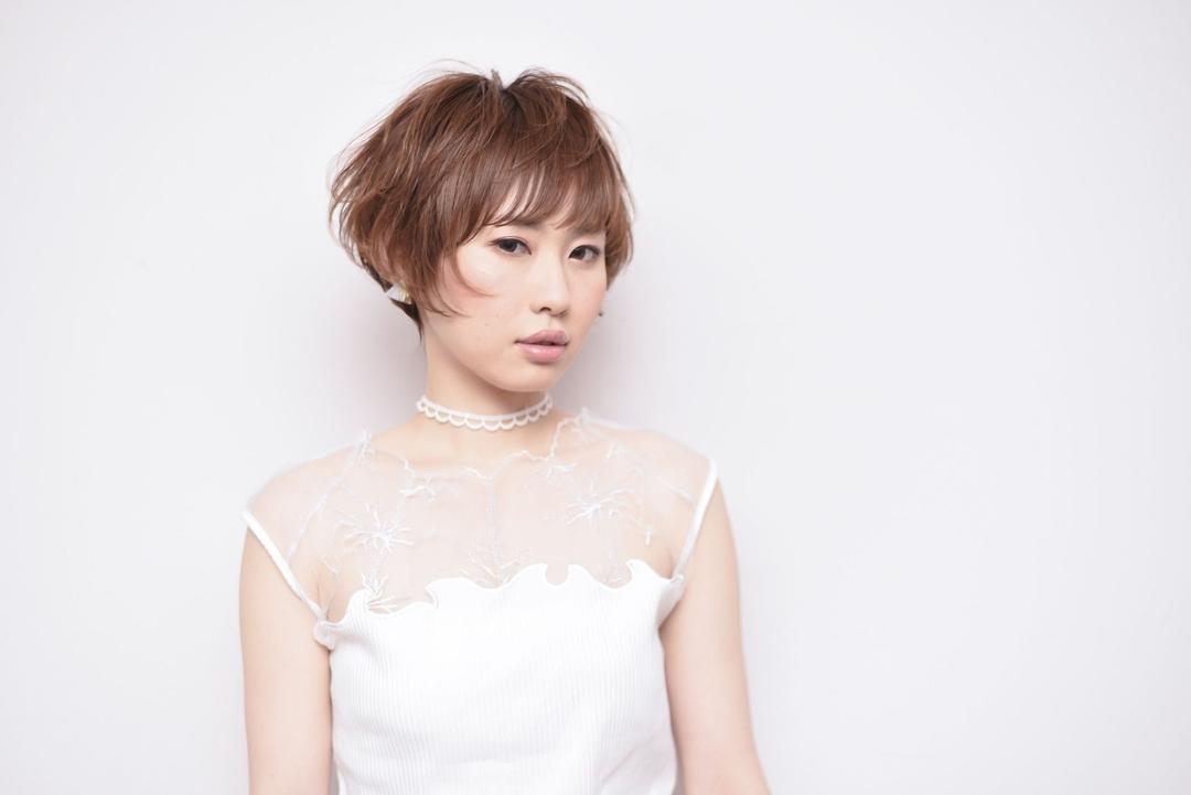toru ishidaさんのヘアスタイルの写真。テーマは『ショートボブ、ボブ、前下がり、前下がりボブ、パーマ、ワンカール、ワンレングス、美骨カット』