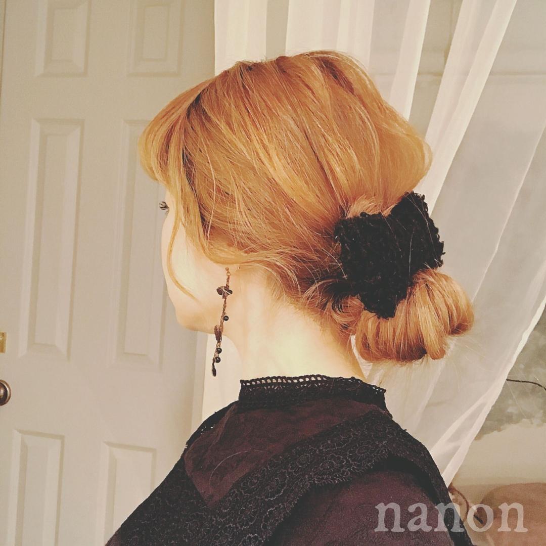 浦川 由起江さんのヘアスタイルの写真。テーマは『ヘアアレンジ、おだんごヘア、リボン、ルーズ』