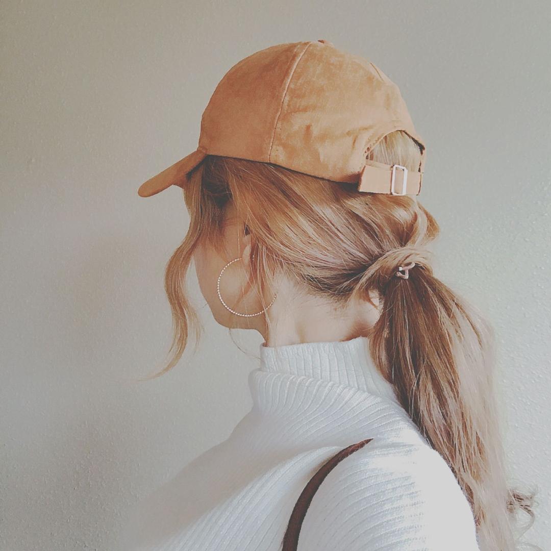 浦川 由起江さんのヘアスタイルの写真。テーマは『ヘアアレンジ、キャップ、キャップヘアアレンジ、ローポニーテール』