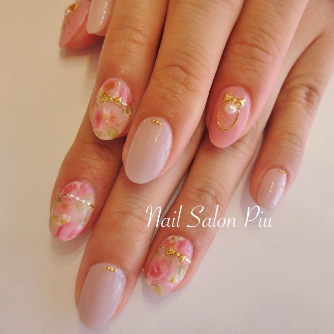 Nail Salon Piuさんのネイルデザインの写真。テーマは『フラワー、ピンクネイル、大人可愛い』
