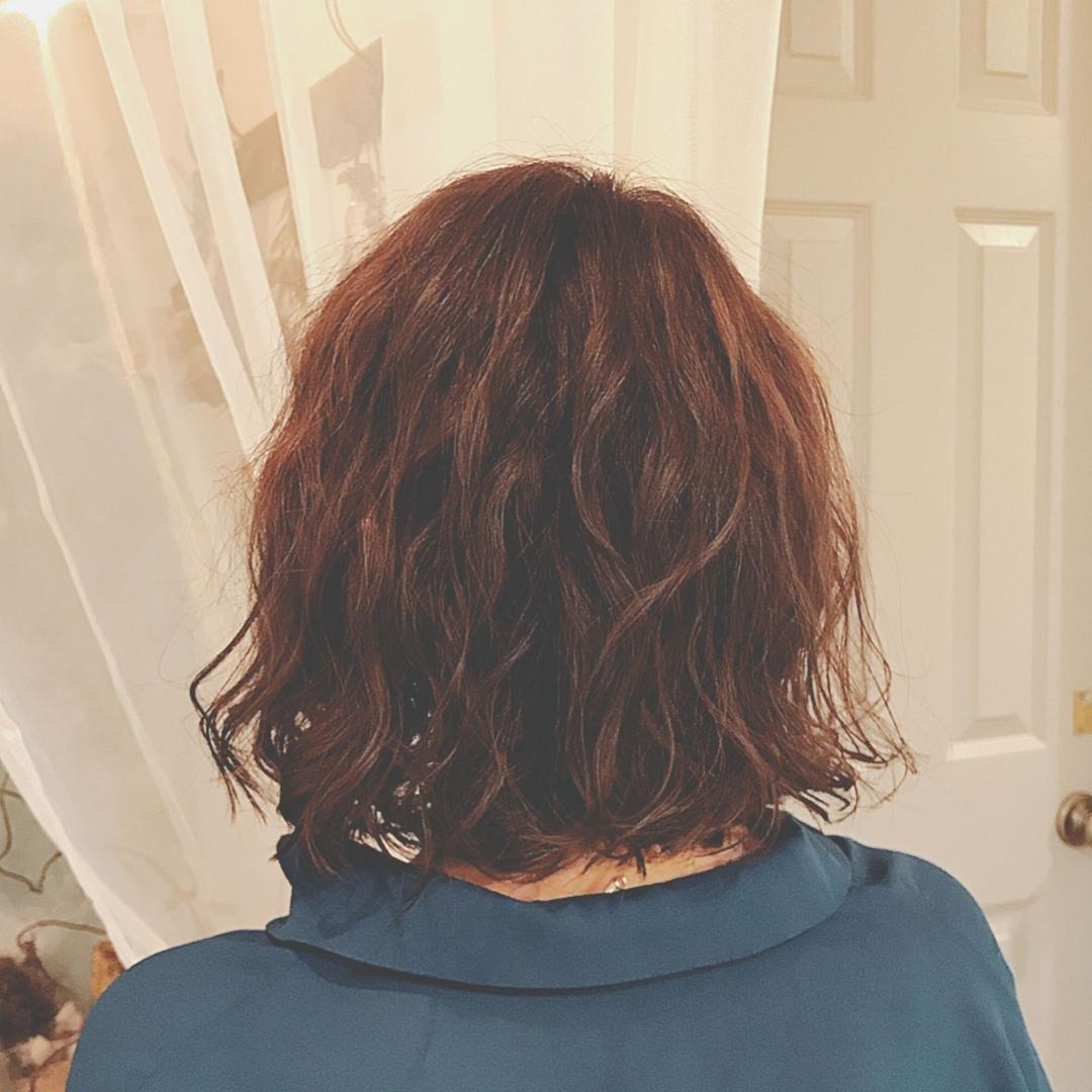 浦川 由起江さんのヘアスタイルの写真。テーマは『ボブ、パーマ』