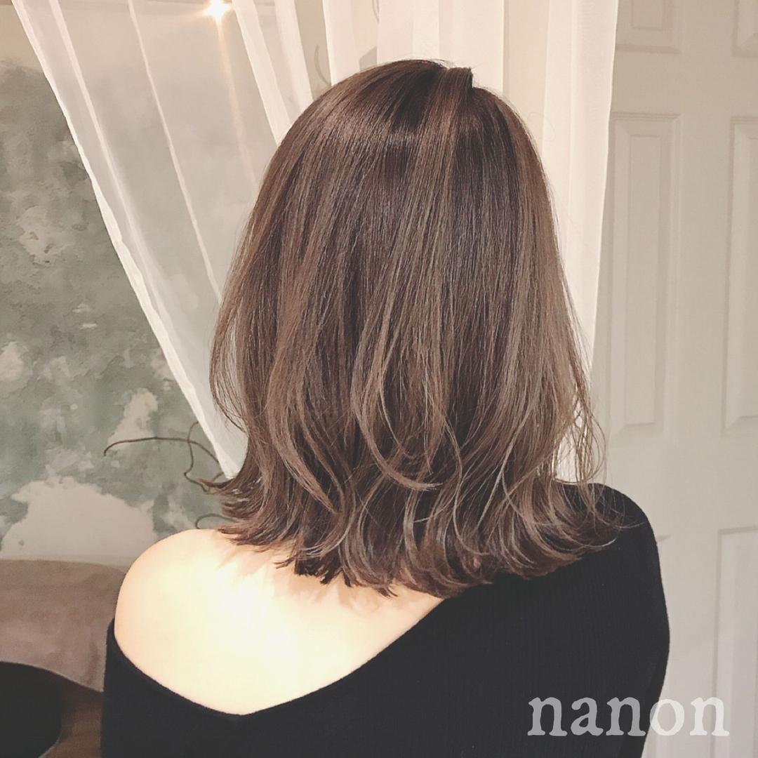 浦川 由起江さんのヘアスタイルの写真。テーマは『ボブ、切りっぱなし、外ハネ』