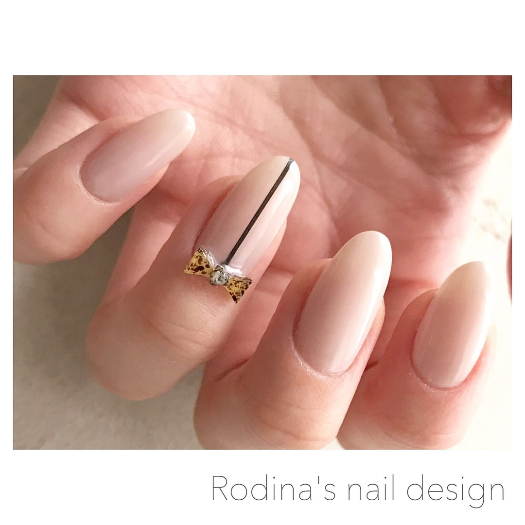 Rodina ロディーナさんのネイルデザインの写真。
