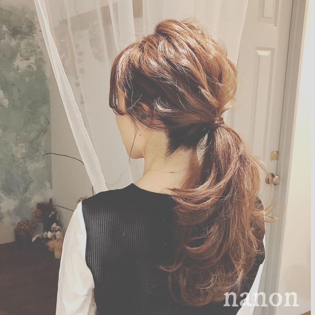 浦川 由起江さんのヘアスタイルの写真。テーマは『ヘアアレンジ、ポニーテール、フェミニン、簡単ヘアアレンジ』