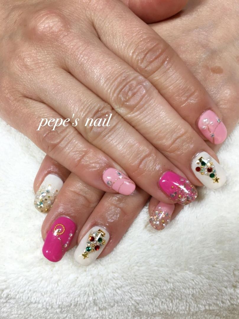 pepe's nailさんのネイルデザインの写真。テーマは『pepesnail、nail、nailart、nailstagram、gelnail、nails、paragel、pregel、calgel、handnail、footnail、ネイル、ネイルアート、きまぐれキャット、ハンドネイル、フットネイル、冬ネイル、クリスマスネイル、キラキラネイル、隠れミッキー』