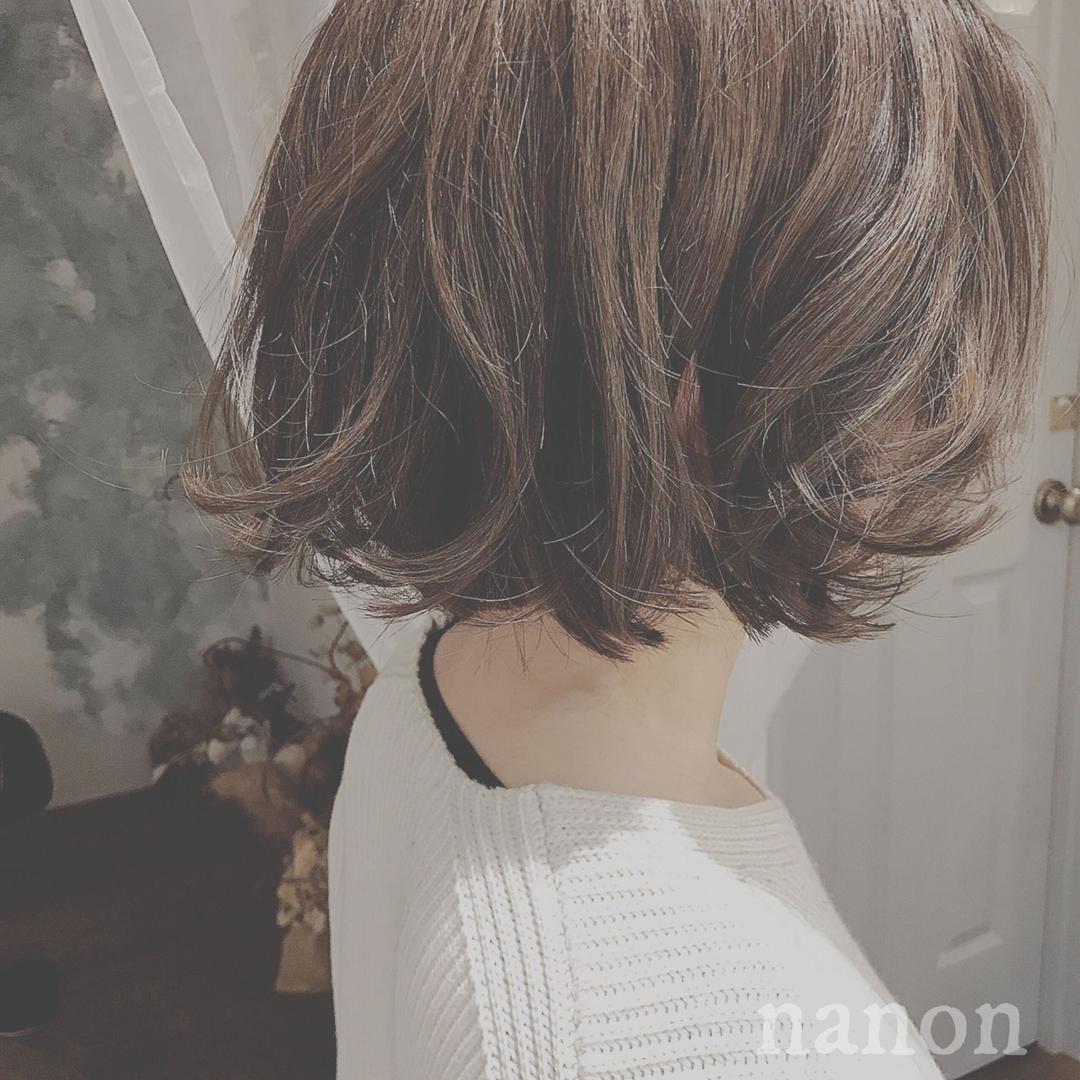 浦川 由起江さんのヘアスタイルの写真。テーマは『ボブ、外国人風カラー、ハイライト、グレージュ』