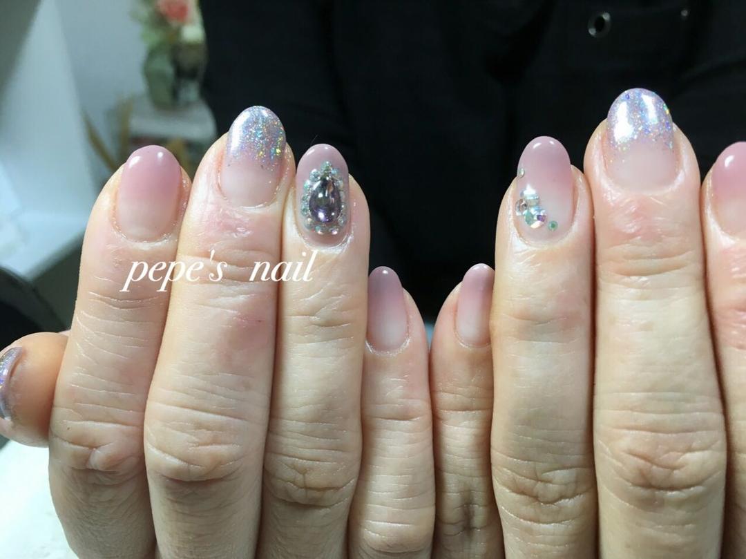 pepe's nailさんのネイルデザインの写真。テーマは『pepesnail、gelnail、nail、nailart、ネイル、ネイルアート、グラデーション、ラメグラデーション、ワンカラー、秋冬ネイル、シンプルネイル、プラネットパウダー、calgel、paragel、お家ネイル、handnail、ハンドネイル、スワロフスキー』