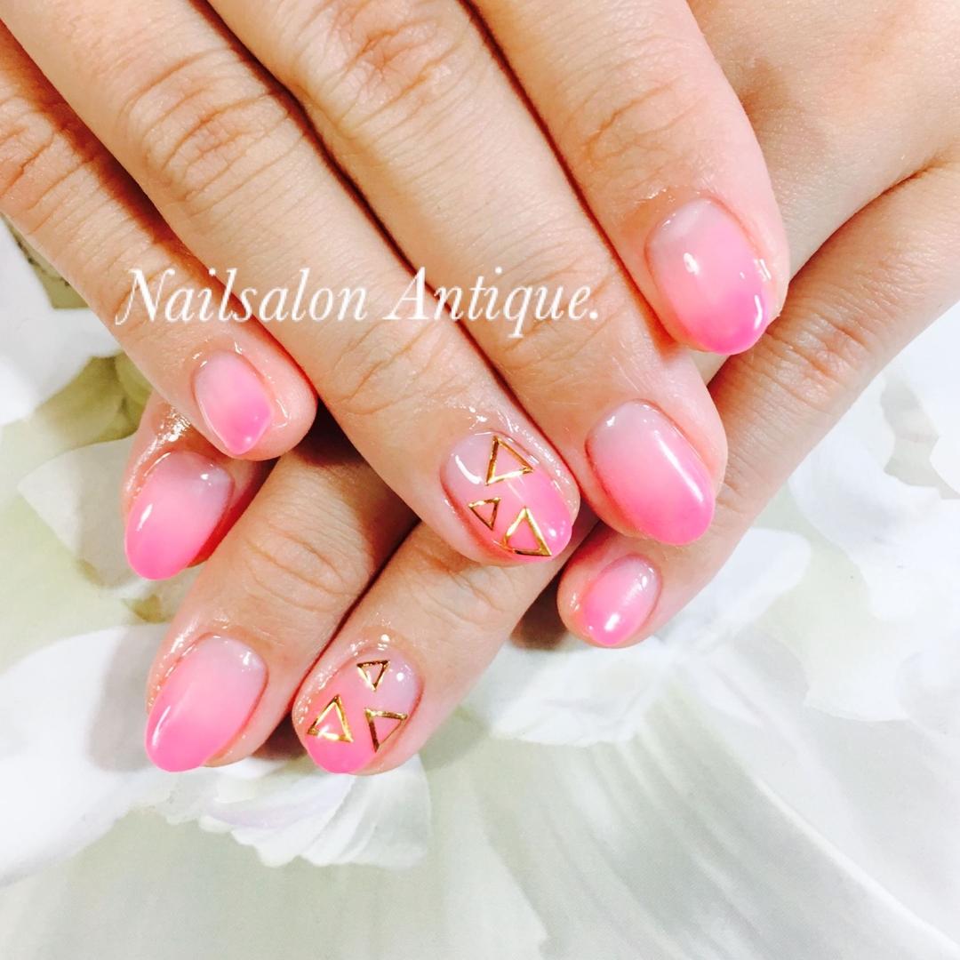nailsalon Antiqueさんのネイルデザインの写真。テーマは『冬ネイル、グラデーション、新宿、代々木、代々木ネイル、プライベートサロン、ネイル、ジェル、nail、jel、nailstgram、美甲、gelnails、nailart、ジェルネイル、nails、naildesign、ファッション、ネイルサロン、nailsalon、instanail、design、art、シンプル、大人ネイル、上品ネイル、네일스타그람、네일』