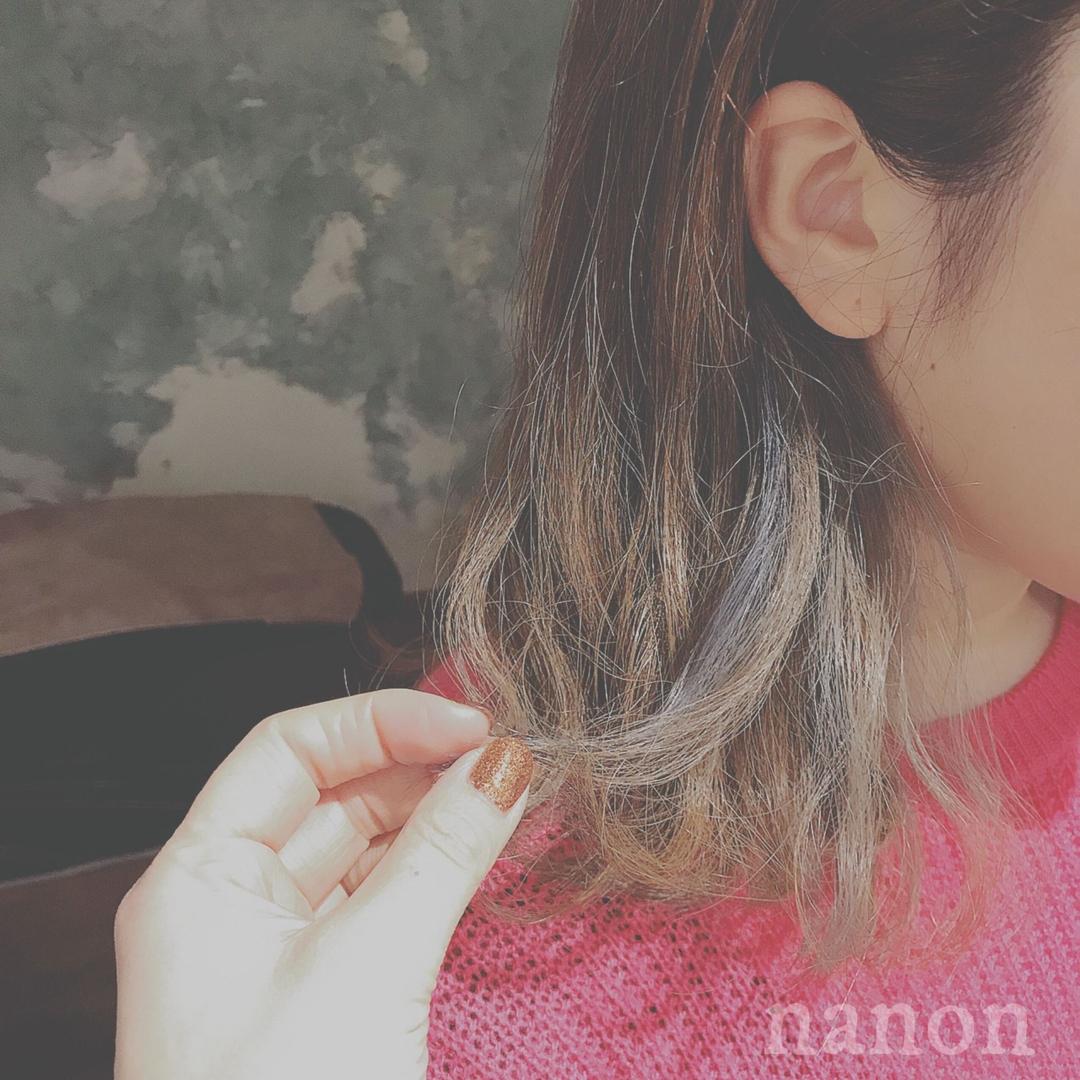 浦川 由起江さんのヘアスタイルの写真。テーマは『外国人風カラー、ハイライト、マットグレージュ、インナーカラー』