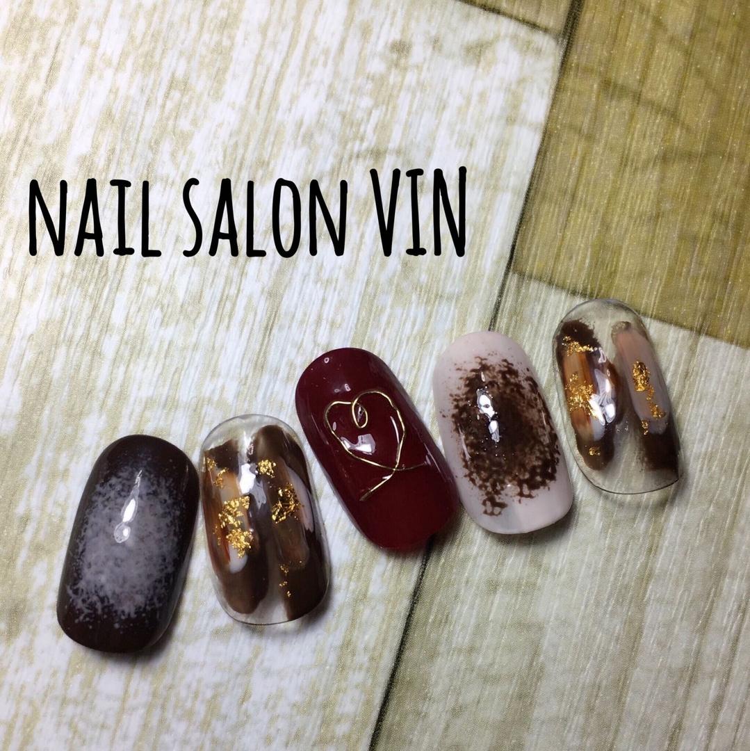 ネイルサロンVIN(ヴィン)さんのネイルデザインの写真。テーマは『gelnail、お客様、冬ネイル、ネイル、ネイルチップ、ネイルサロン、ネイルデザイン、ネイルブック、鹿児島、天文館、新屋敷町、naildesign、nails、nail、nailart、nailartist、nailbook、nailsalon、nailstagram、kagoshima、ハンド、インスタ、バレンタインネイル、チョコネイル、ショートネイル、ニュアンス、個性派ネイル、ネイルサロンヴィン、鹿児島ネイル』