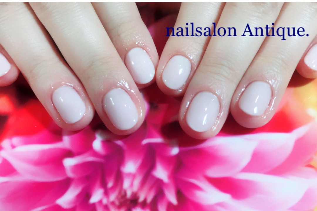 nailsalon Antiqueさんのネイルデザインの写真。テーマは『冬ネイル、OLネイル、新宿、代々木、代々木ネイル、プライベートサロン、ネイル、ジェル、nail、jel、nailstgram、美甲、gelnails、nailart、ジェルネイル、nails、naildesign、ファッション、ネイルサロン、nailsalon、instanail、design、art、シンプル、大人ネイル、上品ネイル、네일스타그람、네일』