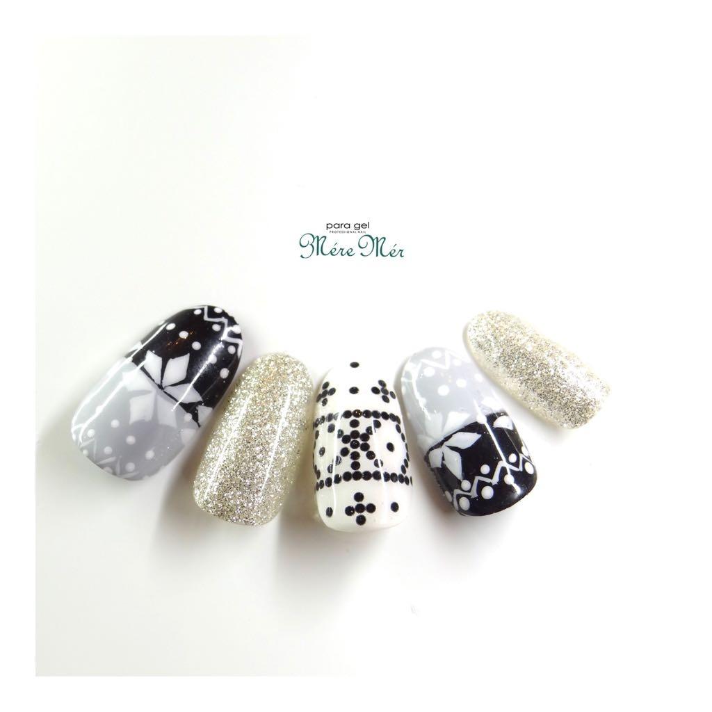 Satomi Kawamitsuさんのネイルデザインの写真。テーマは『トレンド、大人ネイル、白#白グラデーション』
