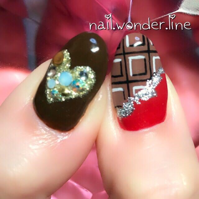 nail.wonder.lineさんのネイルデザインの写真。テーマは『nail、ハンド、女子会、ジェルネイル、お客様、デート、ラメ、バレンタイン、チョコレートネイル、チョコネイル、ゴールド、ロング、冬、ホワイト、パステル、ハート、ビジュー、3d、カラフル、変形フレンチ、フィルイン、デコ、アシンメトリーネイル、紗々ネイル、板チョコ、沼津、沼津ネイルサロン、ネイルサロンワンダーライン』