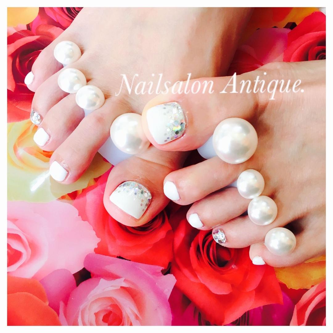 nailsalon Antiqueさんのネイルデザインの写真。テーマは『プライベートサロン、個室サロン、ネイル、ジェル、nail、jel、nailstgram、美甲、gelnails、nailart、ネイルアート、ジェルネイル、ネイルデザイン、新宿、代々木、nails、naildesign、アート、ファッション、ネイルサロン、nailsalon、instanail、design、art、シンプル、大人ネイル、上品ネイル、네일스타그람、네일』
