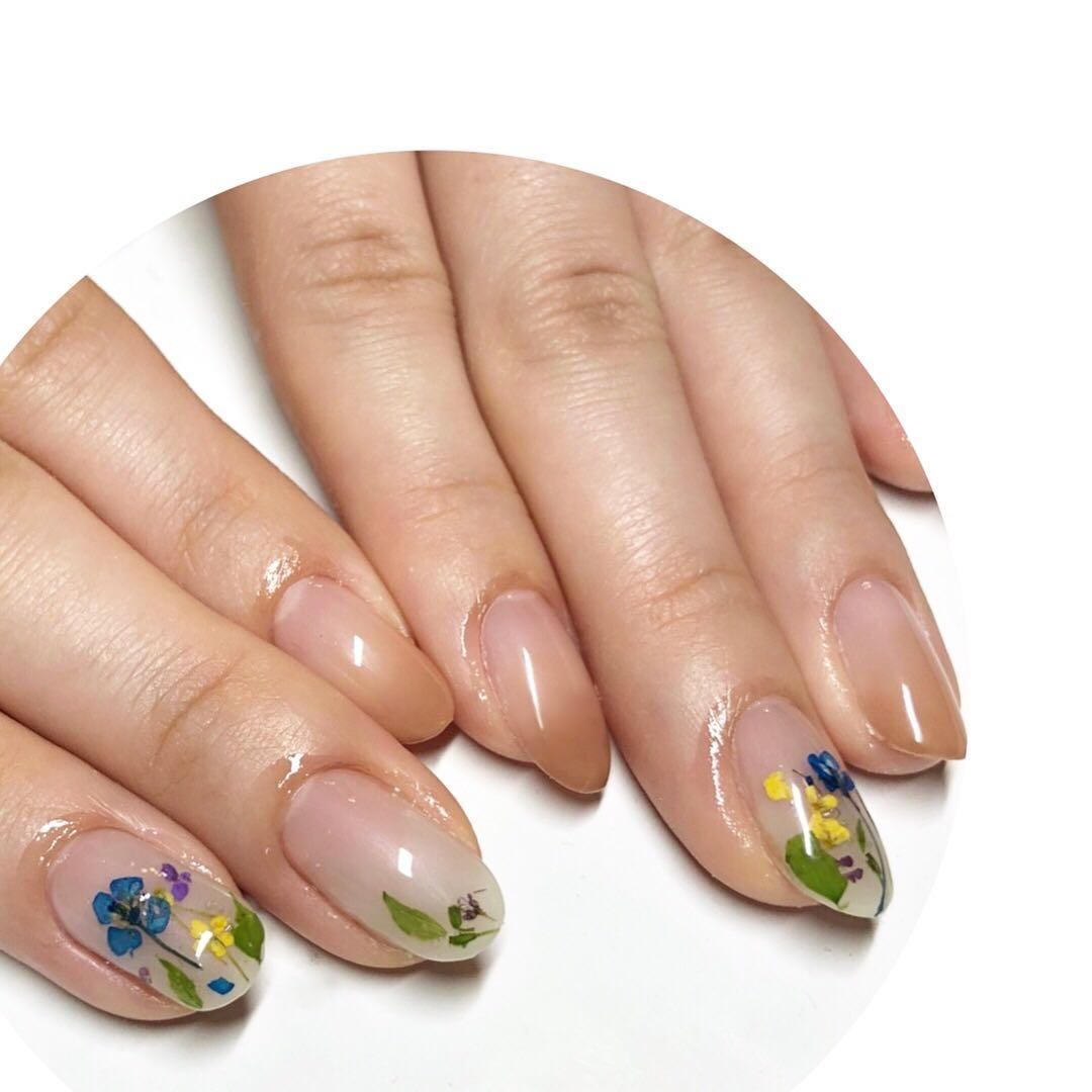 MereMer SayakaAoeさんのネイルデザインの写真。テーマは『押し花ネイル、フラワーネイル、パラジェル、グラデーションネイル』