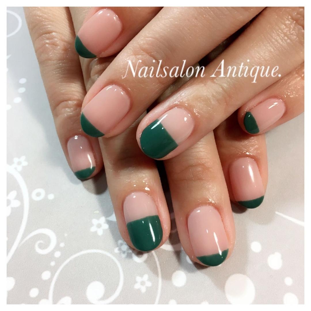 nailsalon Antiqueさんのネイルデザインの写真。テーマは『グリーン、プライベートサロン、個室サロン、ネイル、ジェル、nail、jel、nailstgram、美甲、gelnails、nailart、ネイルアート、ジェルネイル、ネイルデザイン、新宿、代々木、nails、naildesign、アート、ファッション、ネイルサロン、nailsalon、instanail、design、art、シンプル、大人ネイル、上品ネイル、네일스타그람、네일』